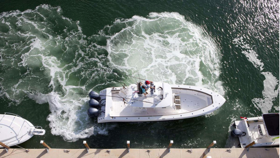 How to Dock a Boat - Top Notch Marine